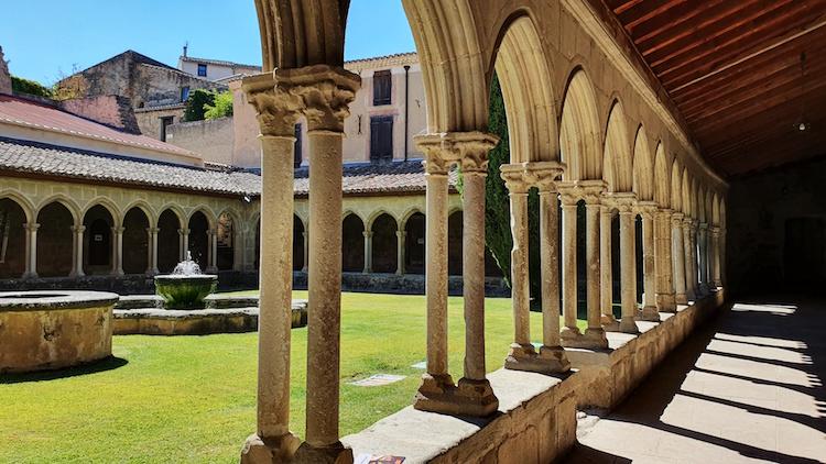 arches cloitre abbaye saint hilaire limouxin